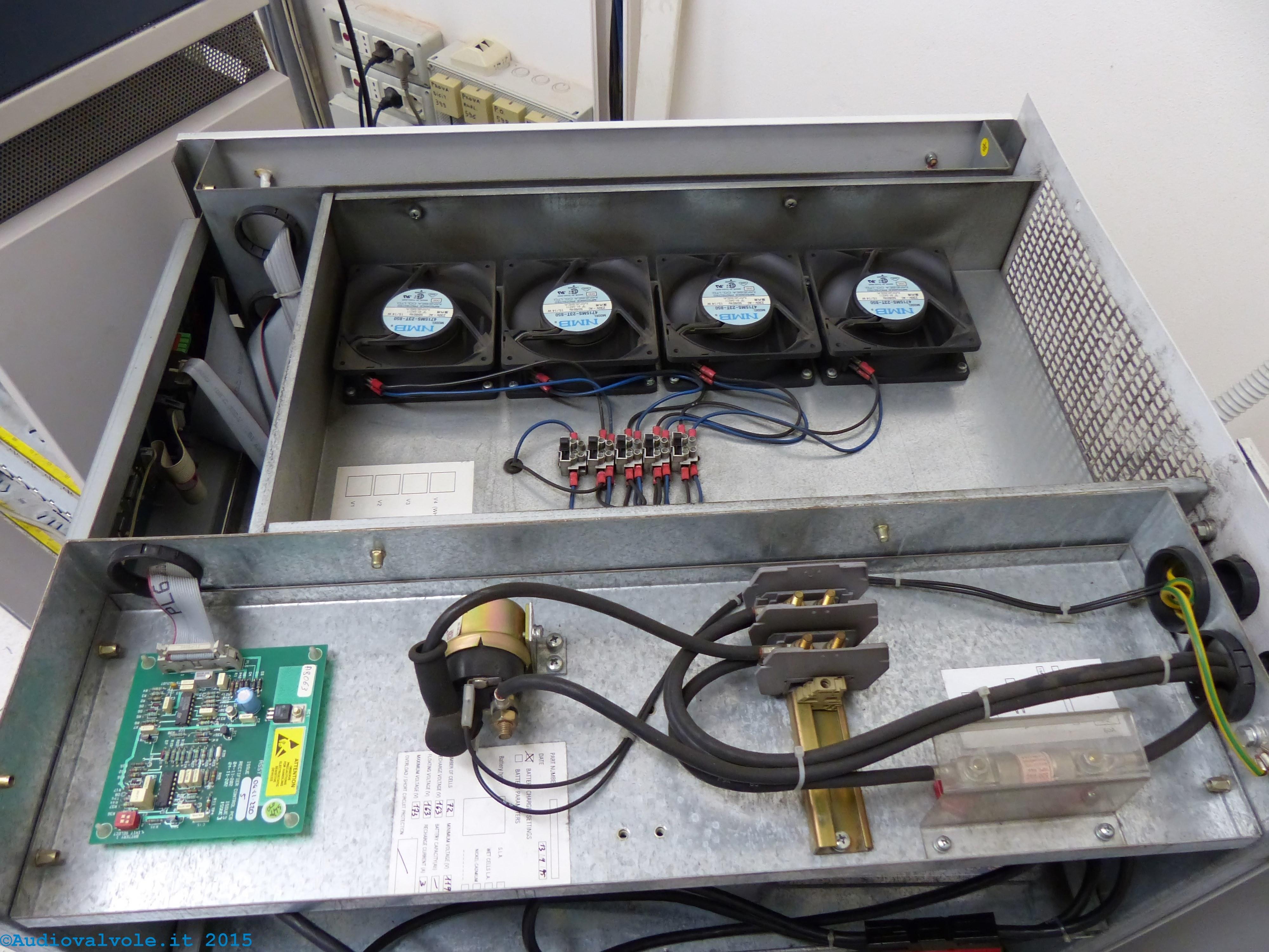 Schema Elettrico Gruppo Di Continuità Per Pc : Verione mobile stabilizzatori di tensione di rete e gruppi di