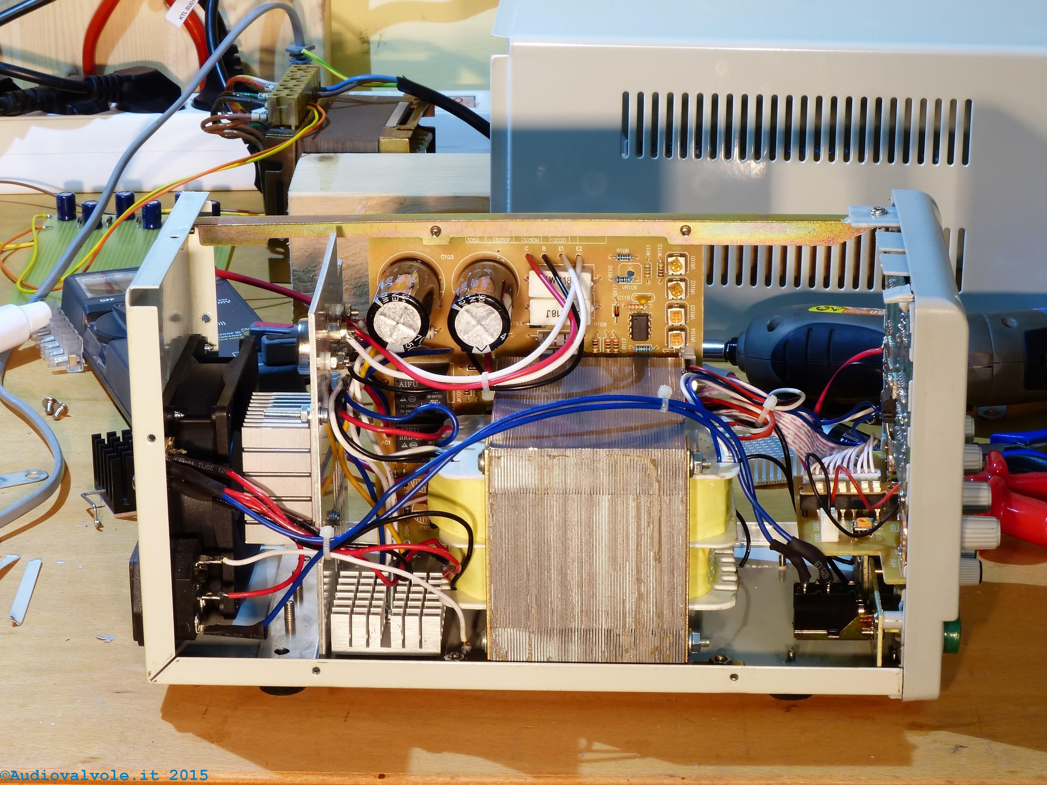 Schema Elettrico Alimentatore Pc Atx : Schema alimentatore stabilizzato da banco variabile v
